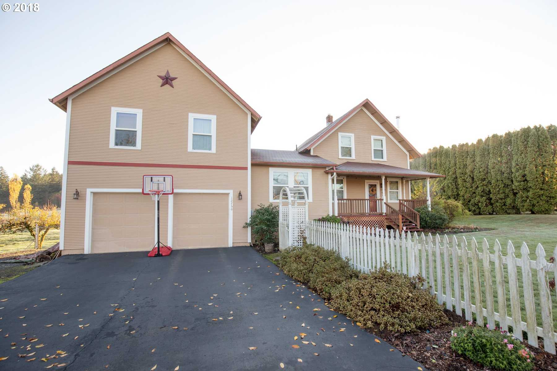 $550,000 - 4Br/3Ba -  for Sale in Damascus