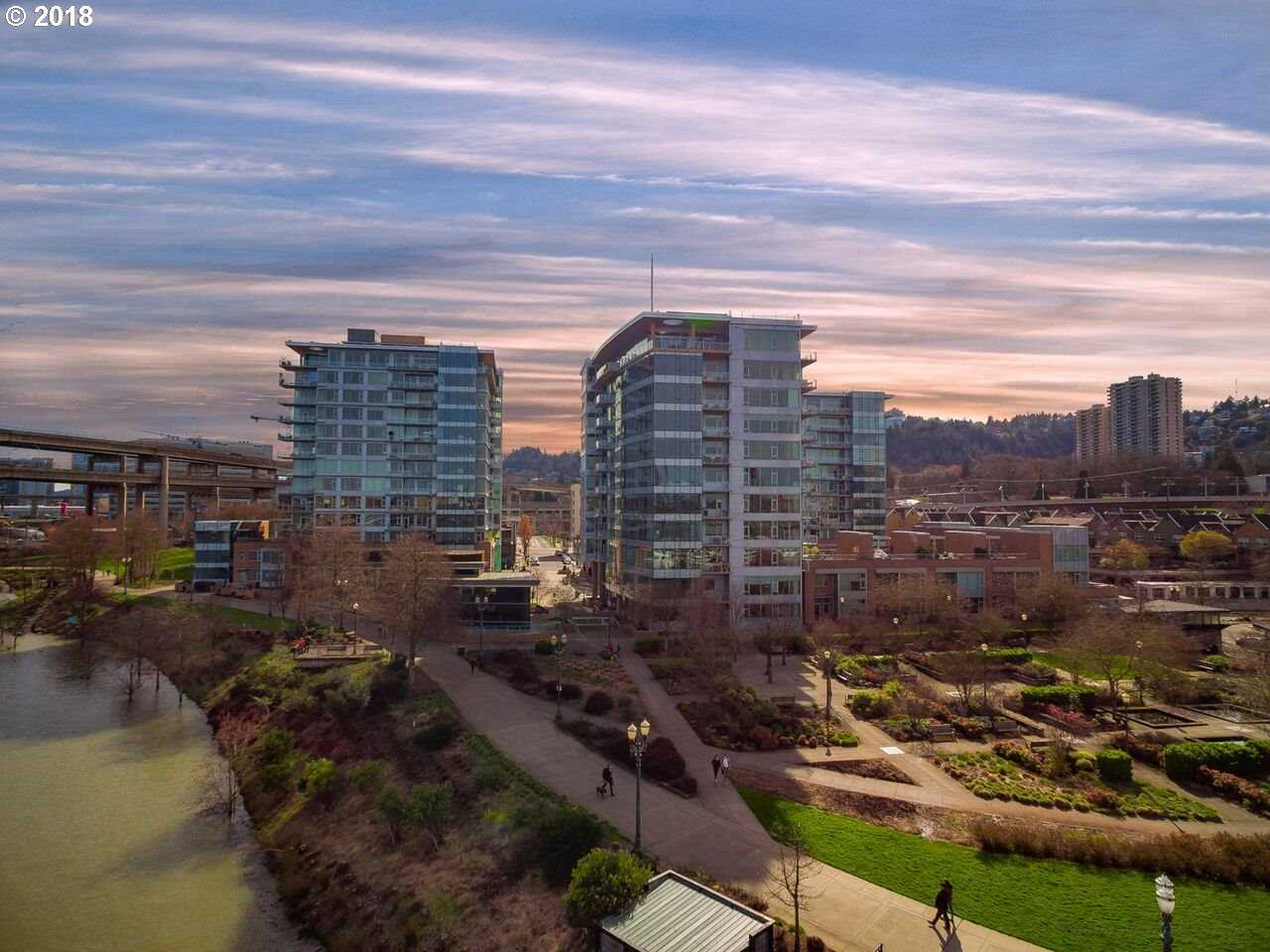 $1,475,000 - 2Br/3Ba -  for Sale in The Strand, Portland