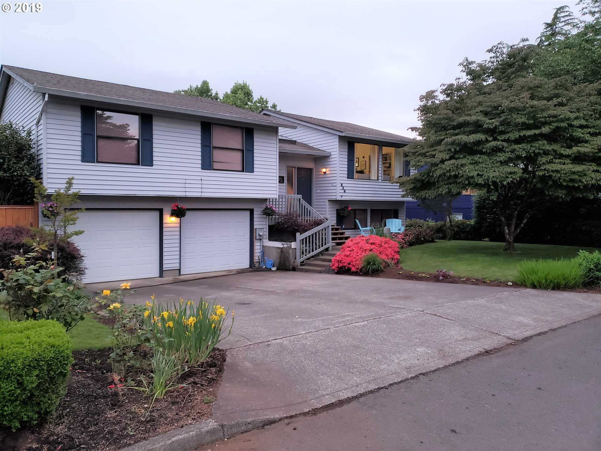 $479,900 - 4Br/3Ba -  for Sale in Canby