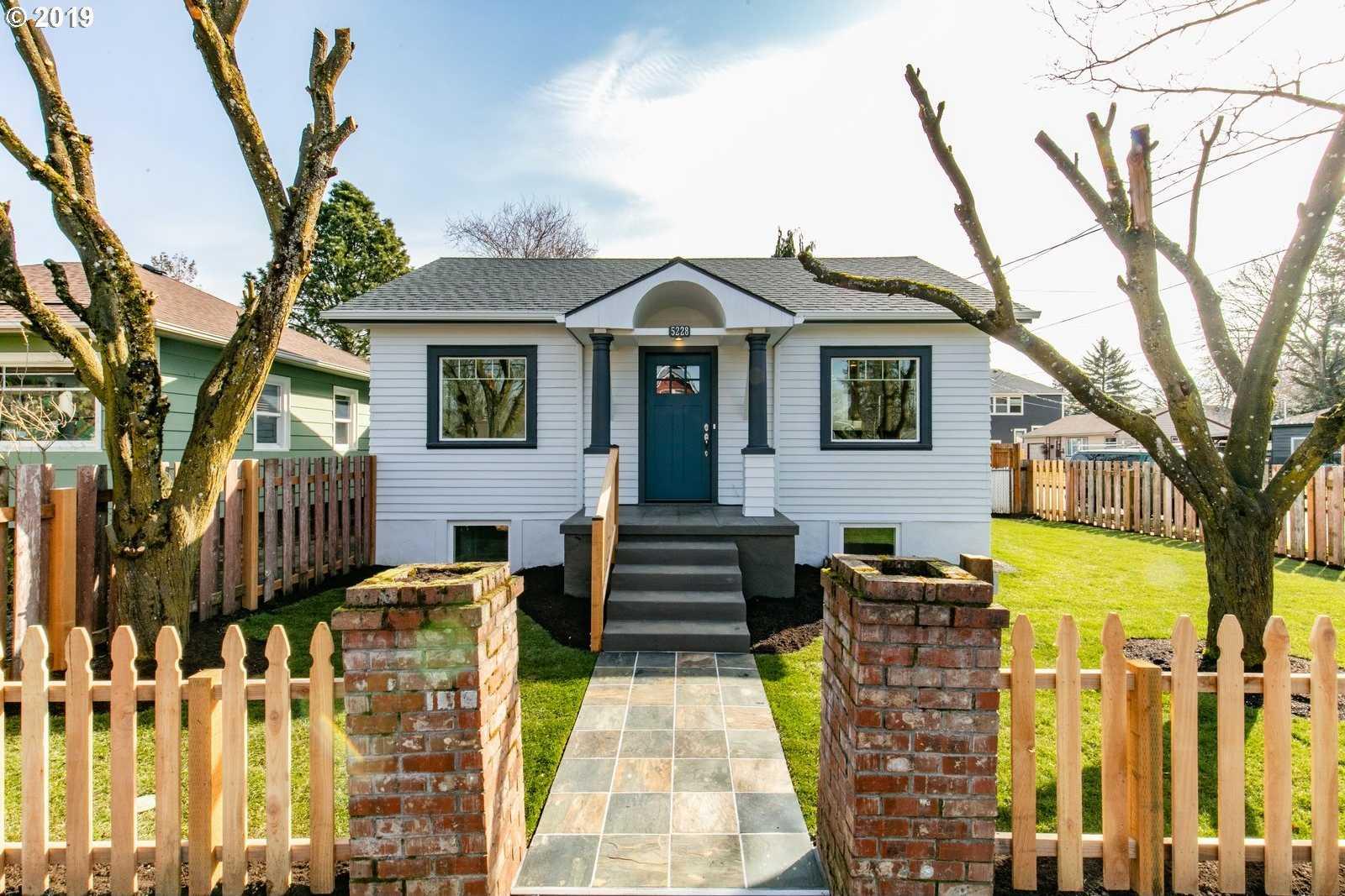 $549,900 - 6Br/4Ba -  for Sale in Mt Scott-arleta/fo-po, Portland