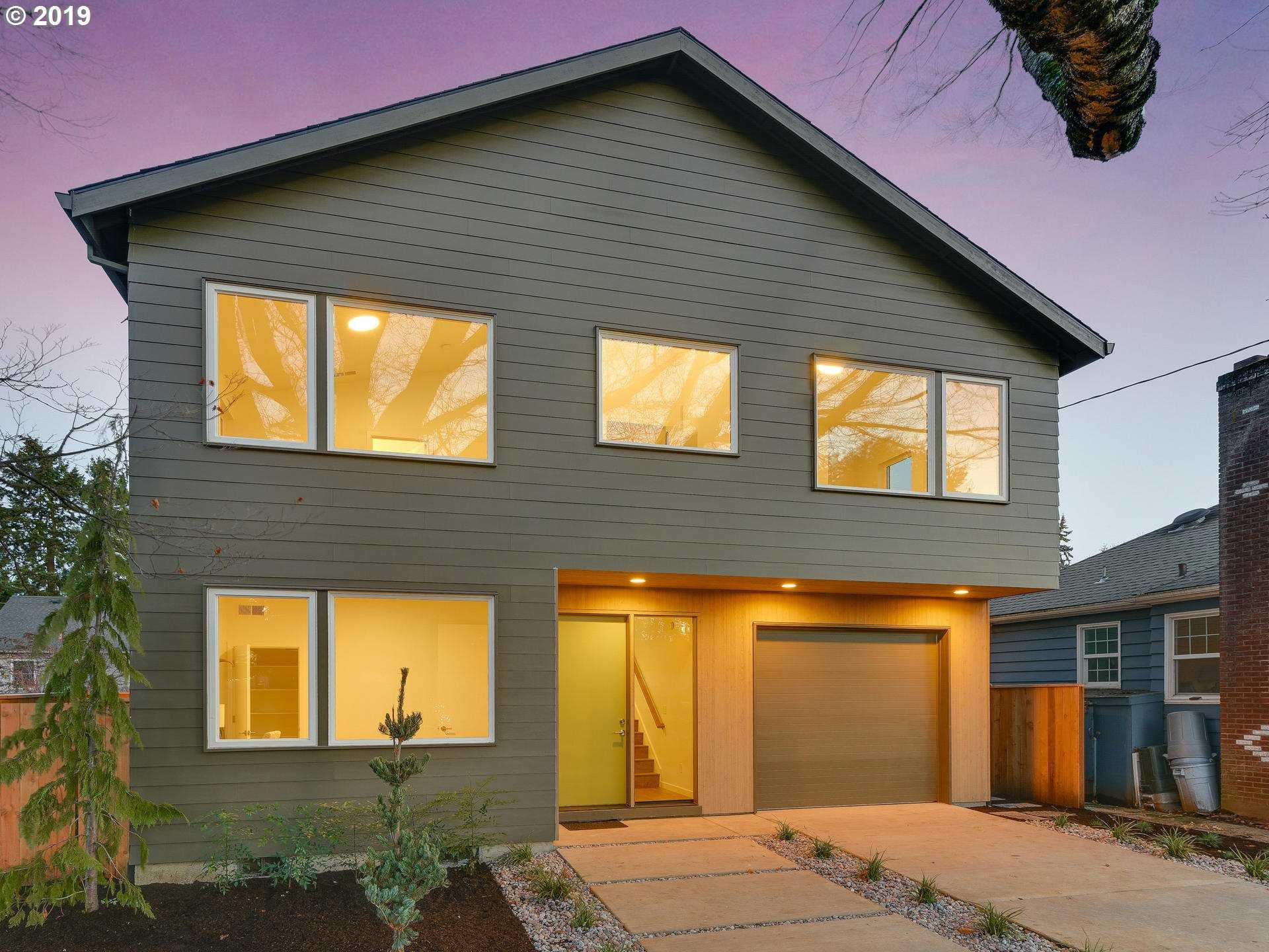 $799,999 - 4Br/3Ba -  for Sale in Wilshire Park, Portland