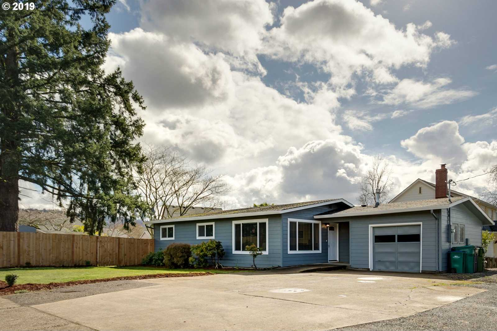 $334,900 - 3Br/2Ba -  for Sale in Rinkes Subdivision, Newberg