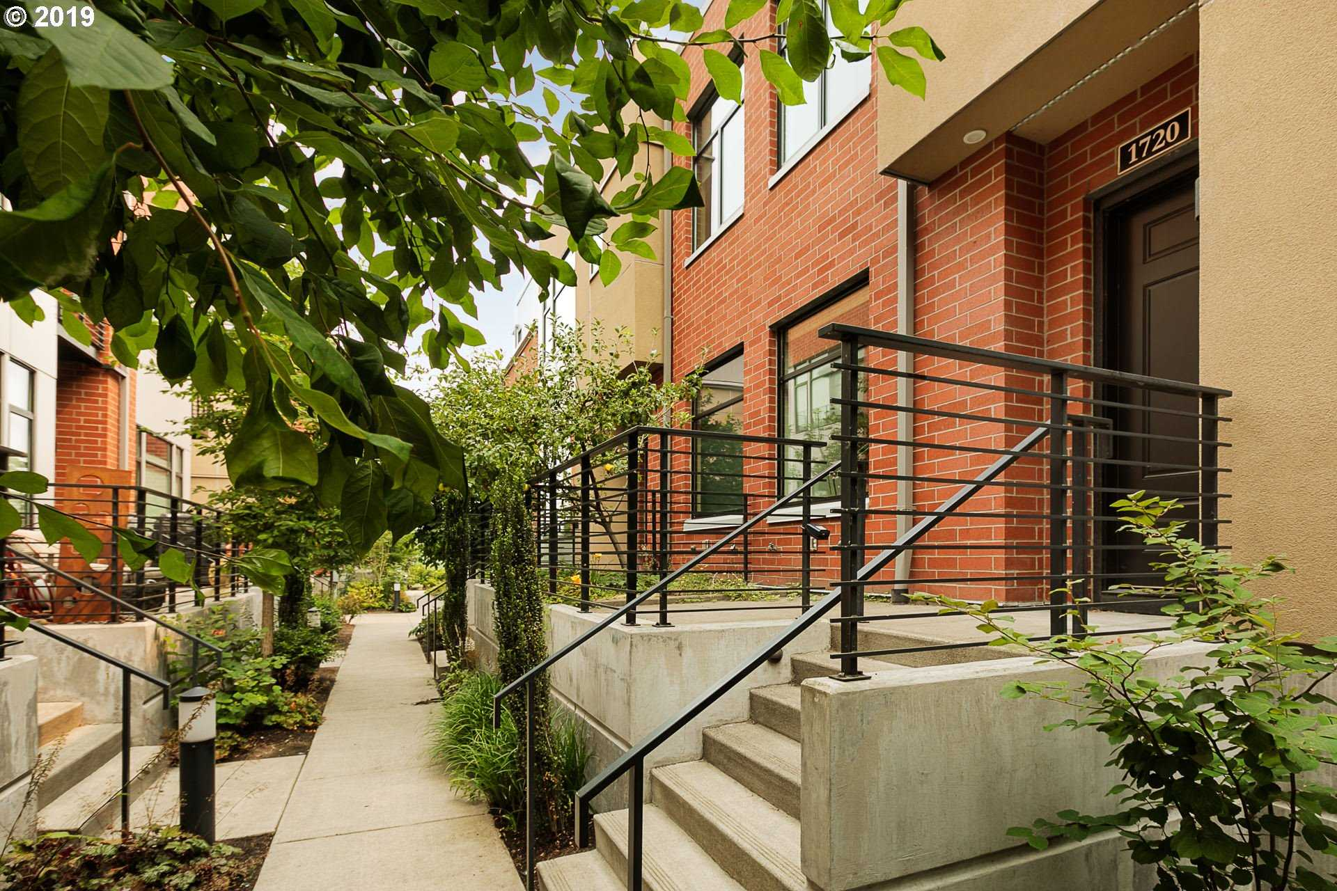 $649,000 - 2Br/3Ba -  for Sale in Portland