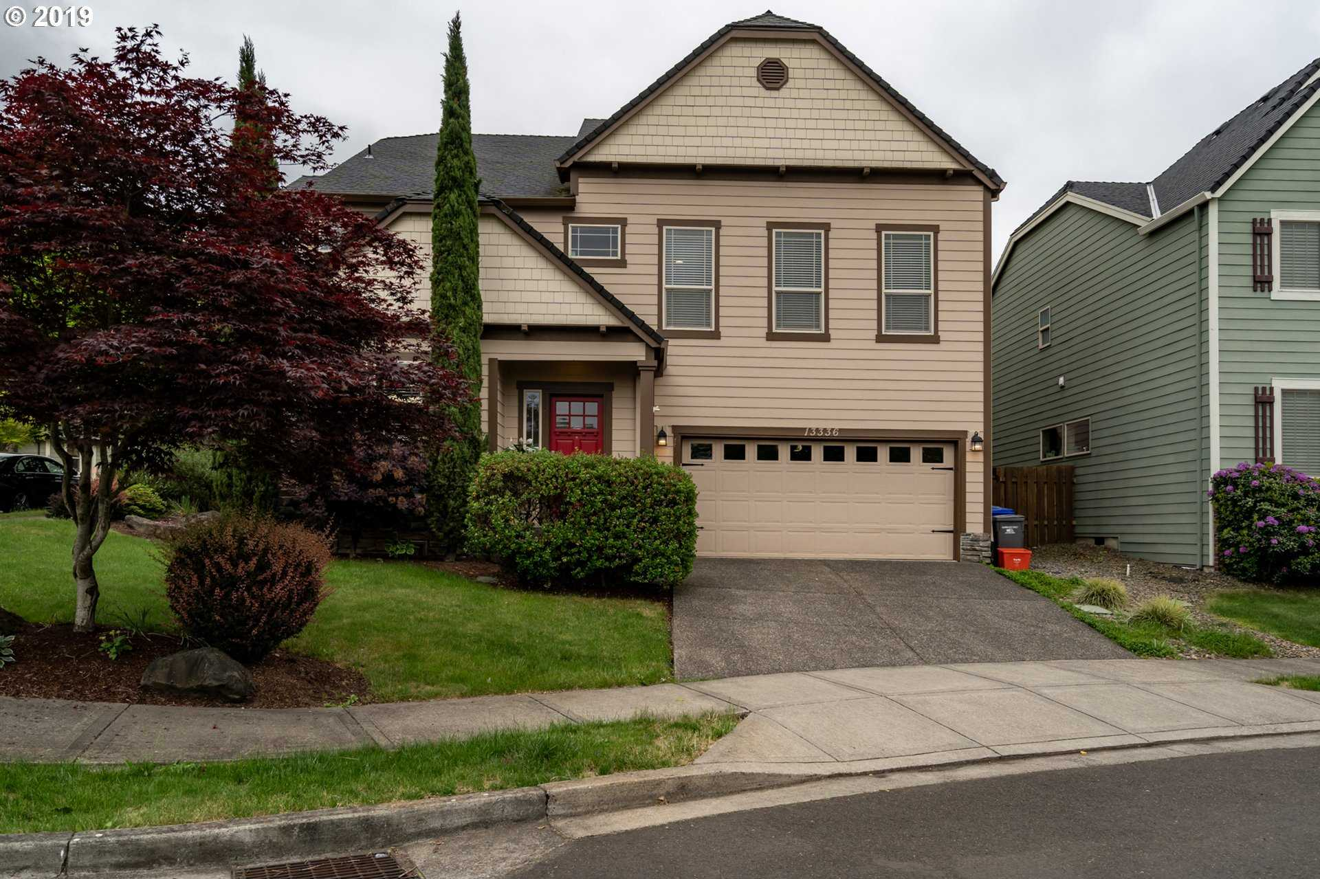 $470,000 - 4Br/3Ba -  for Sale in Portland