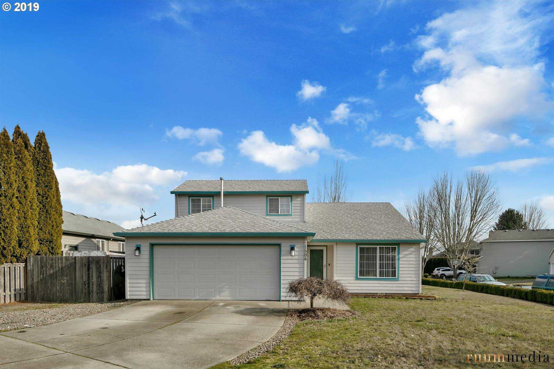 $430,000 - 4Br/3Ba -  for Sale in Sherwood