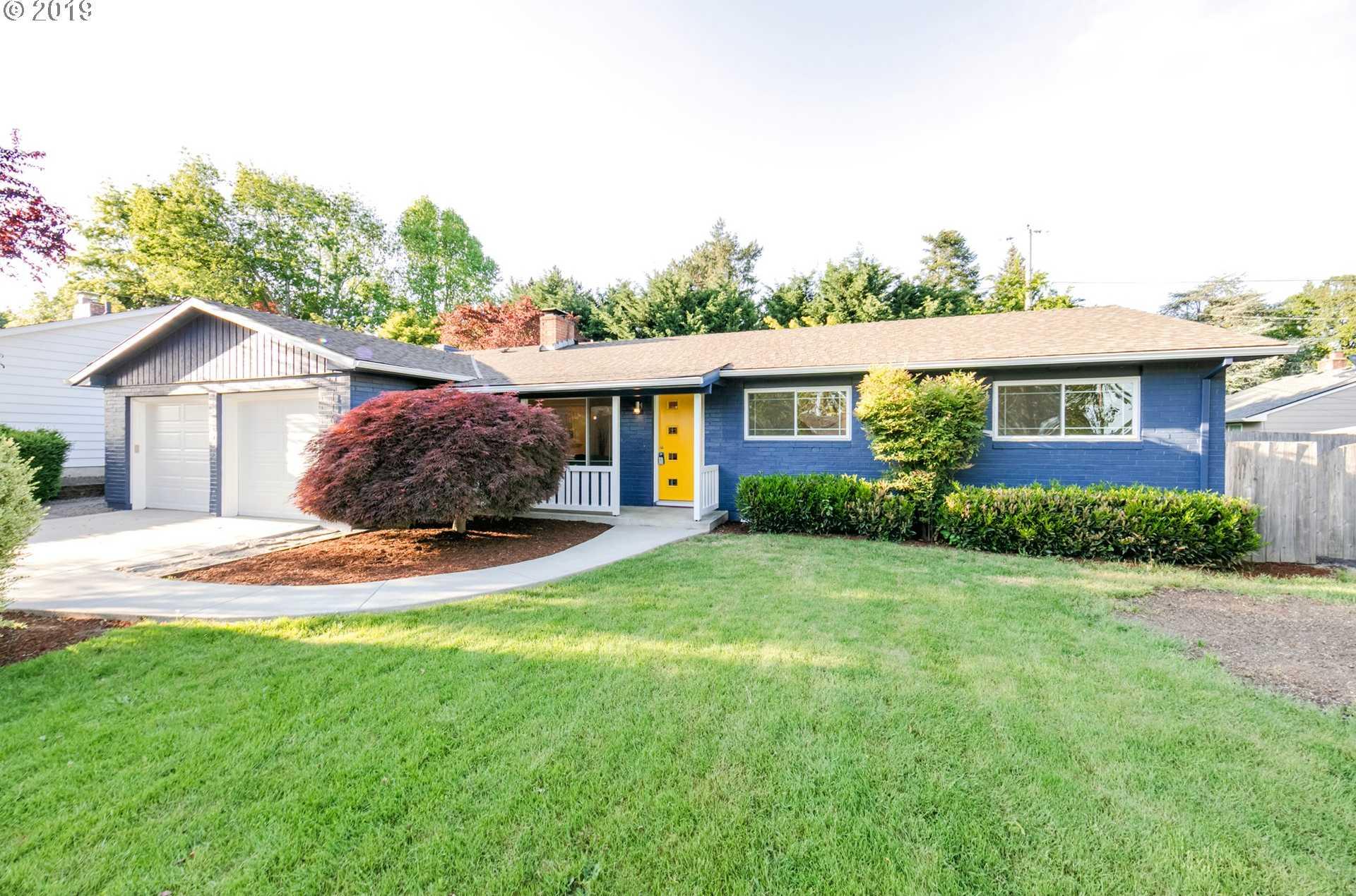 $549,900 - 3Br/3Ba -  for Sale in Cedar Hills, Beaverton