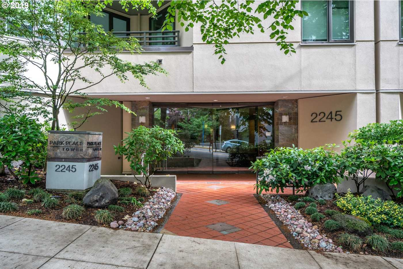 $335,000 - 2Br/2Ba -  for Sale in Goose Hollow, Portland