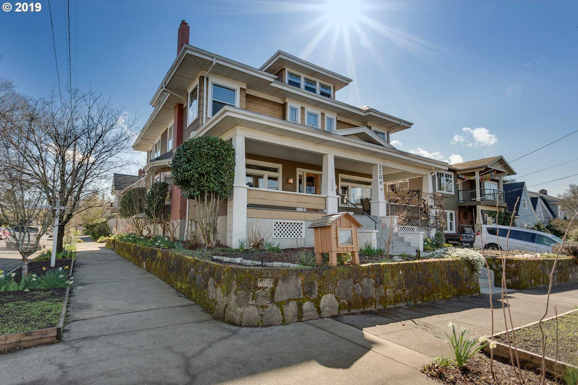 $990,900 - 6Br/4Ba -  for Sale in Colonial Heights, Portland