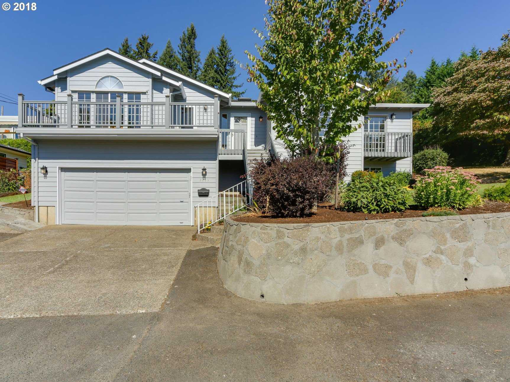 $499,000 - 4Br/3Ba -  for Sale in Hillsdale/burlingame, Portland
