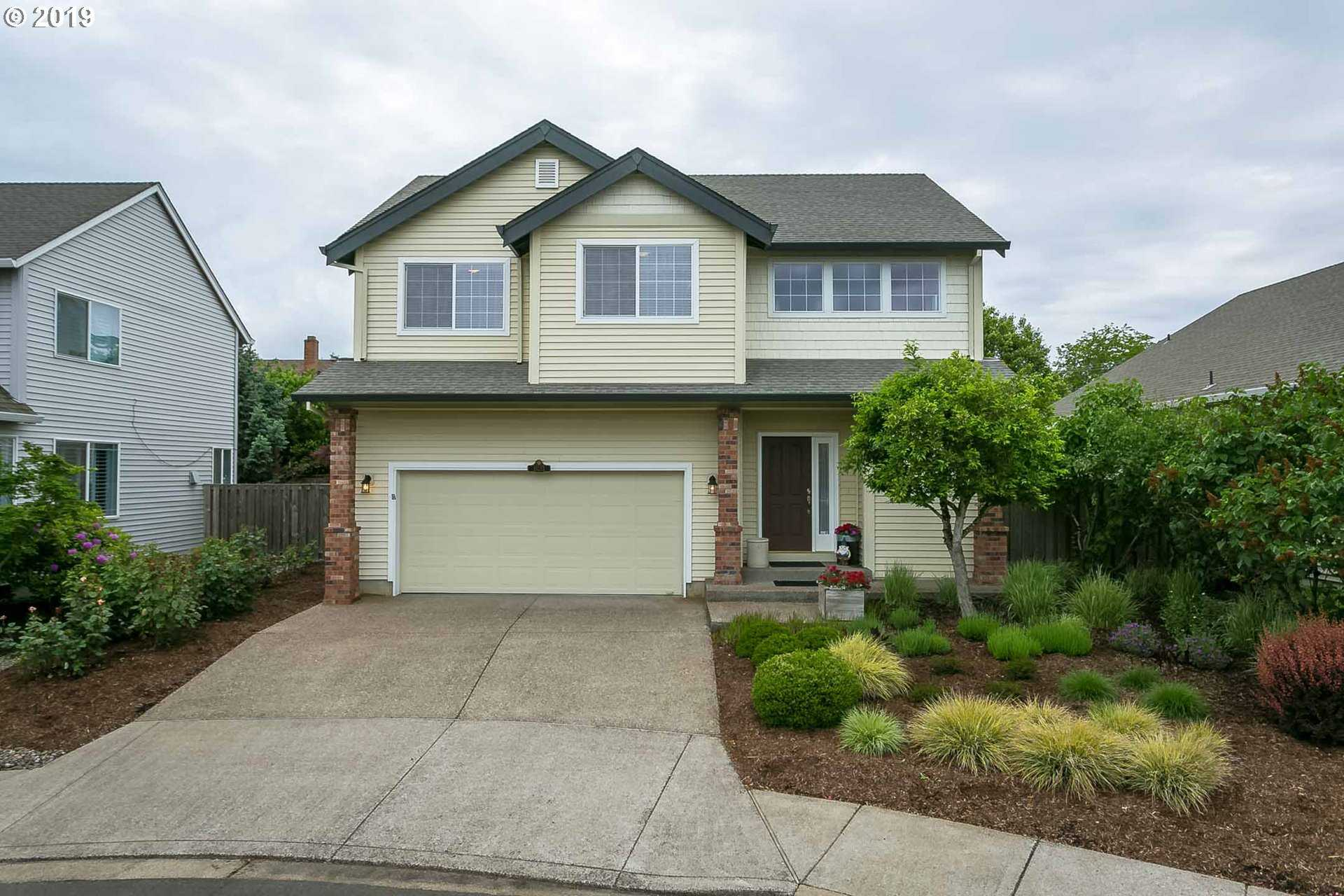 $470,000 - 3Br/3Ba -  for Sale in Applewood Park, Tigard