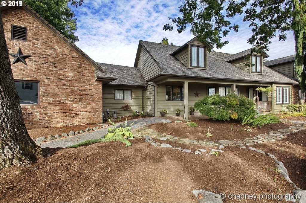 $584,999 - 4Br/4Ba -  for Sale in Gresham