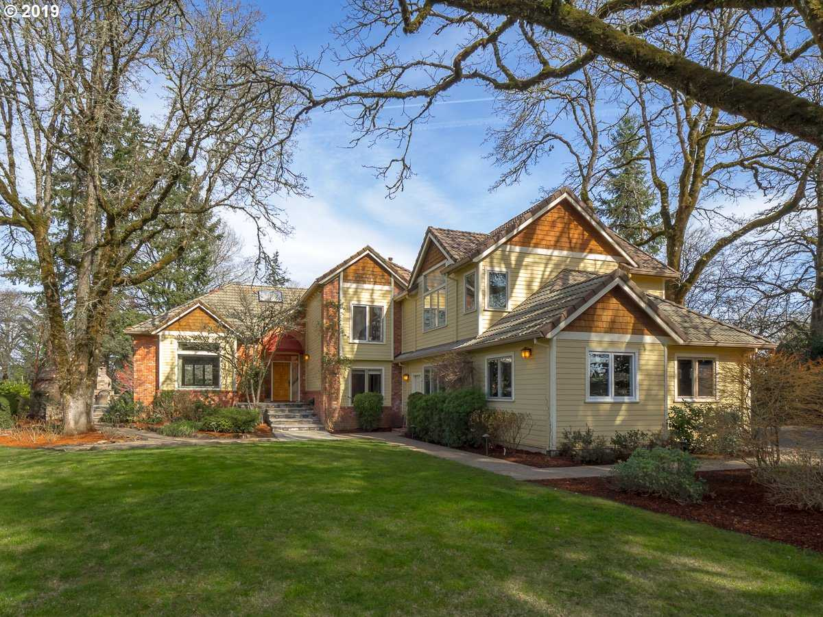 $1,590,000 - 5Br/4Ba -  for Sale in Waverly Country Club, Milwaukie