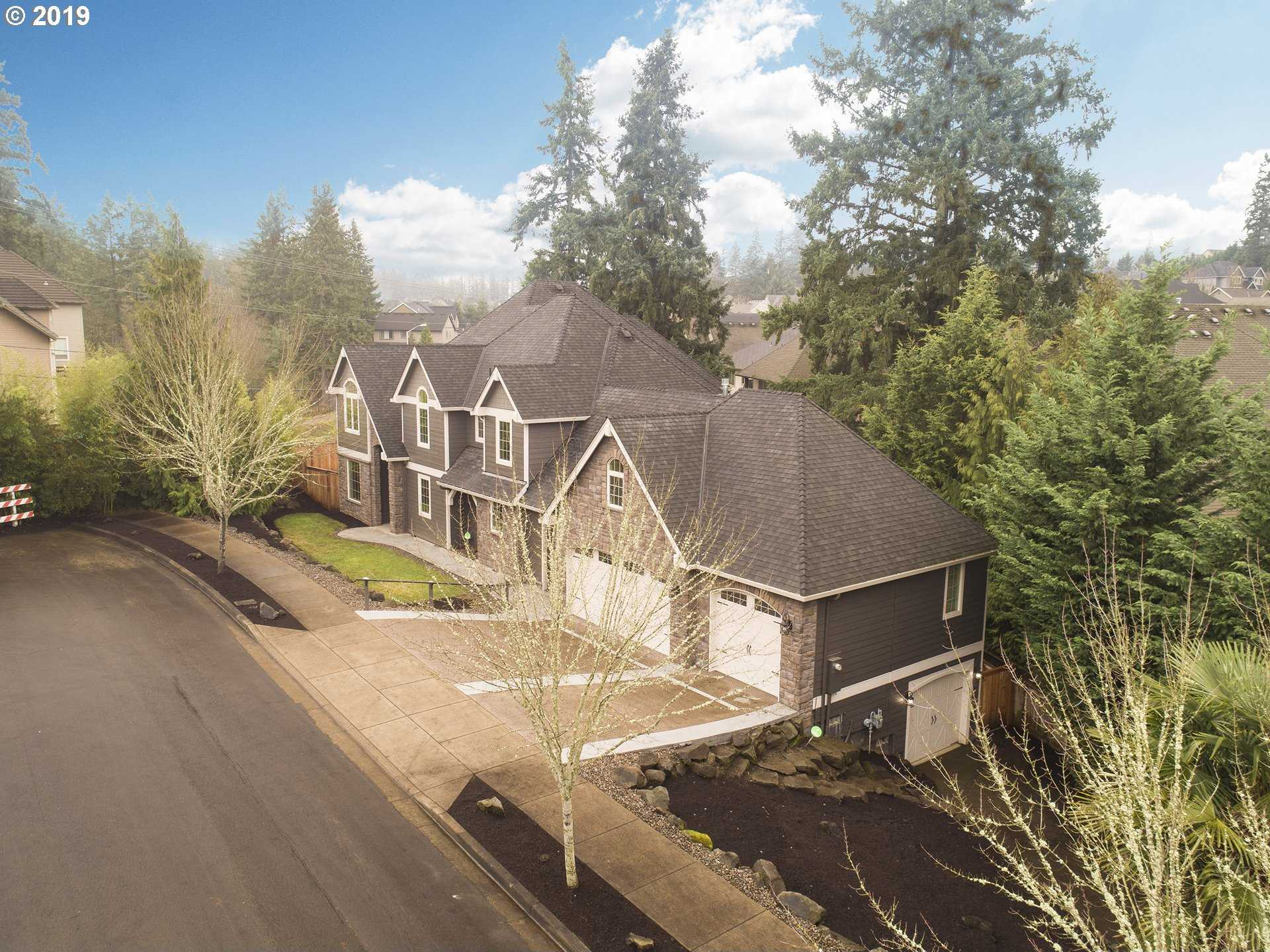 $909,900 - 5Br/4Ba -  for Sale in Tualatin