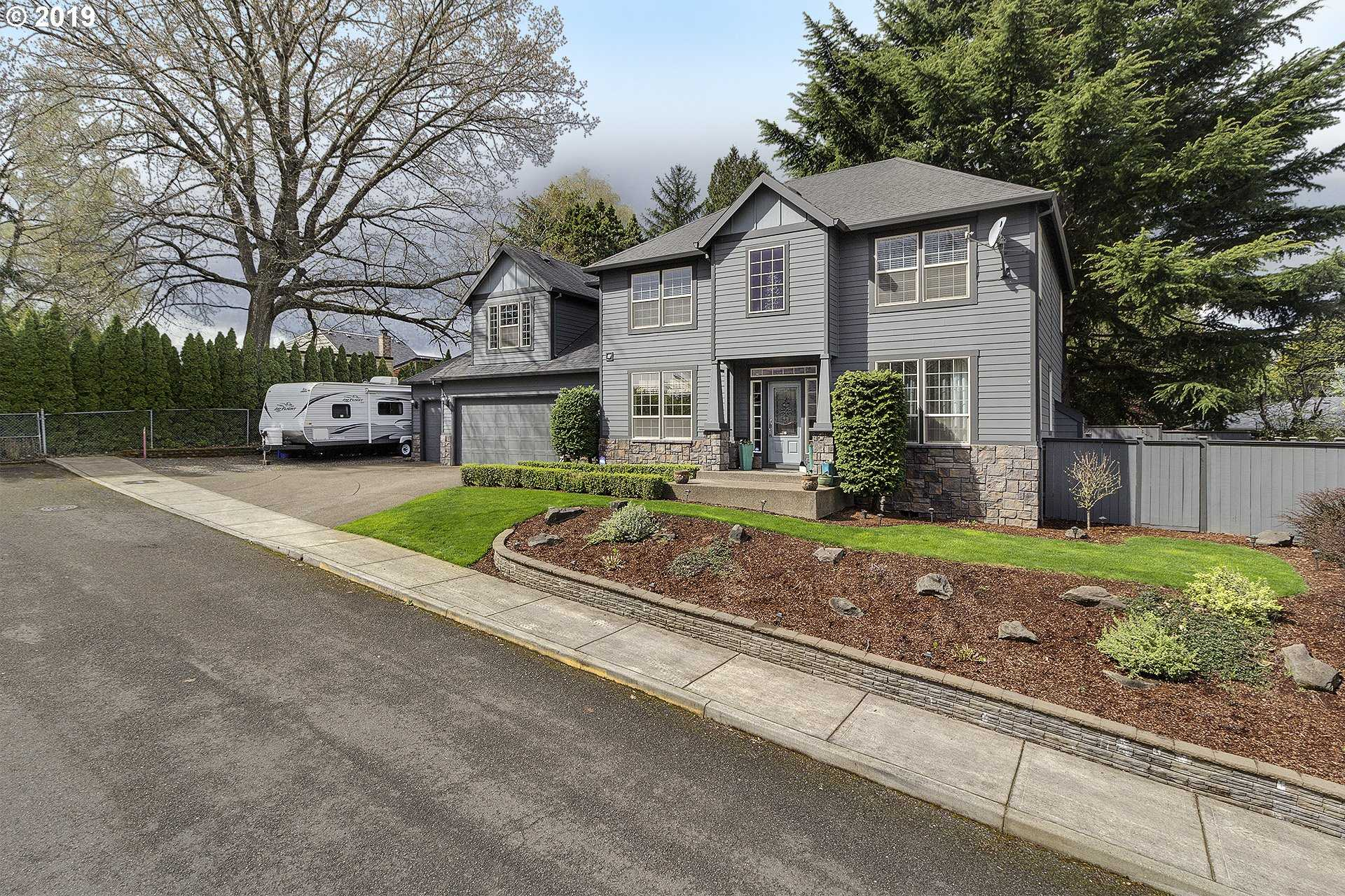 $550,000 - 5Br/3Ba -  for Sale in Milwaukie