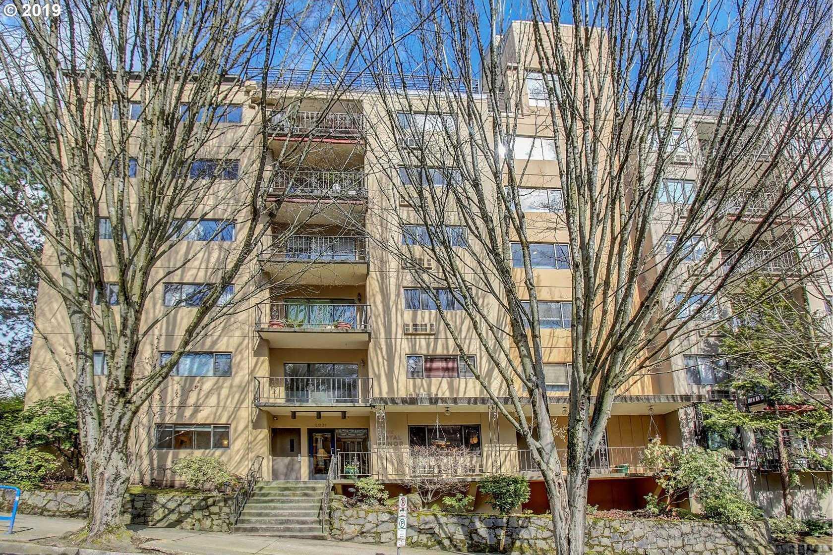 $354,900 - 2Br/2Ba -  for Sale in Royal Manor Condominiums, Portland