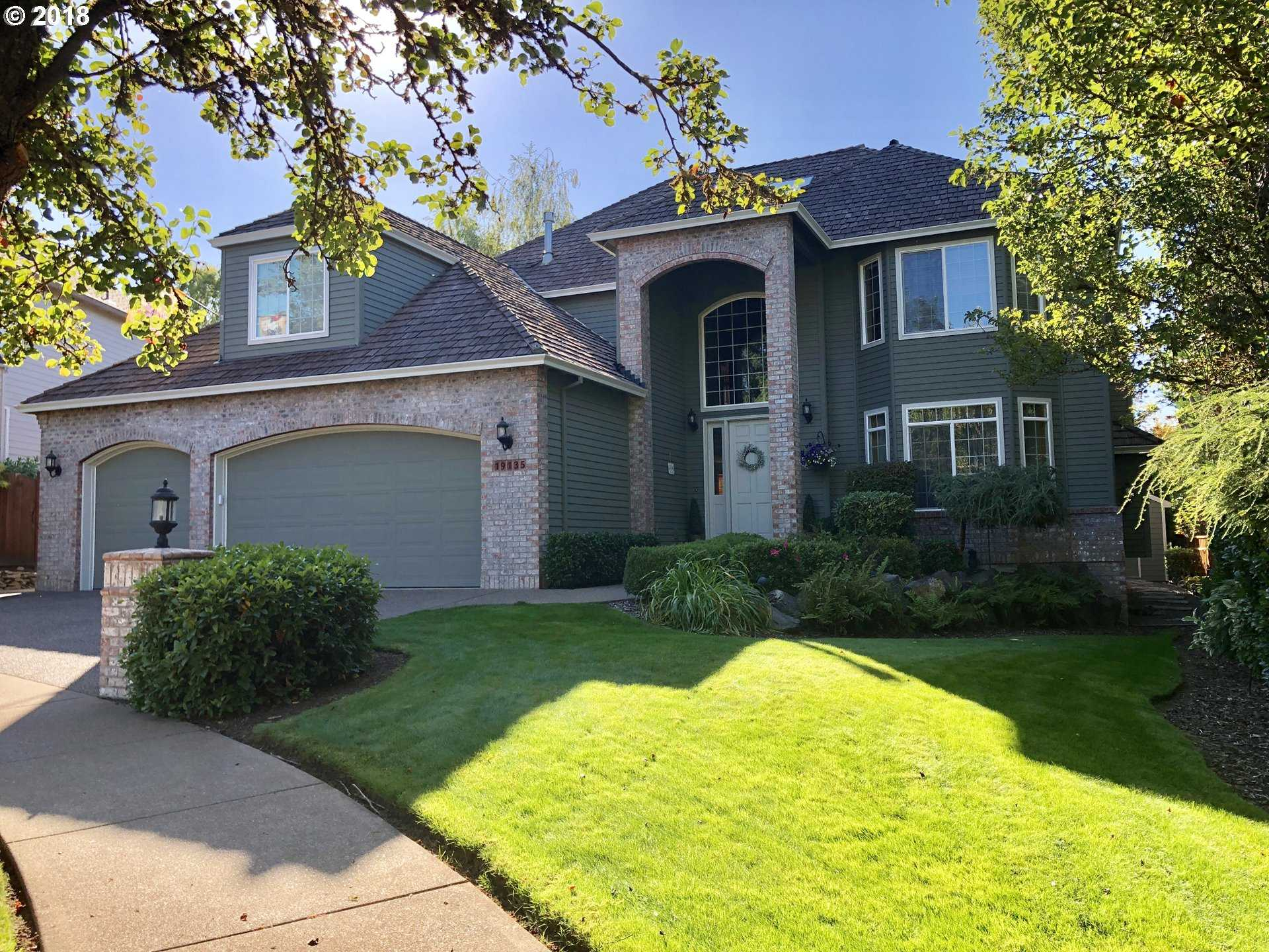 $729,900 - 5Br/4Ba -  for Sale in Tualatin