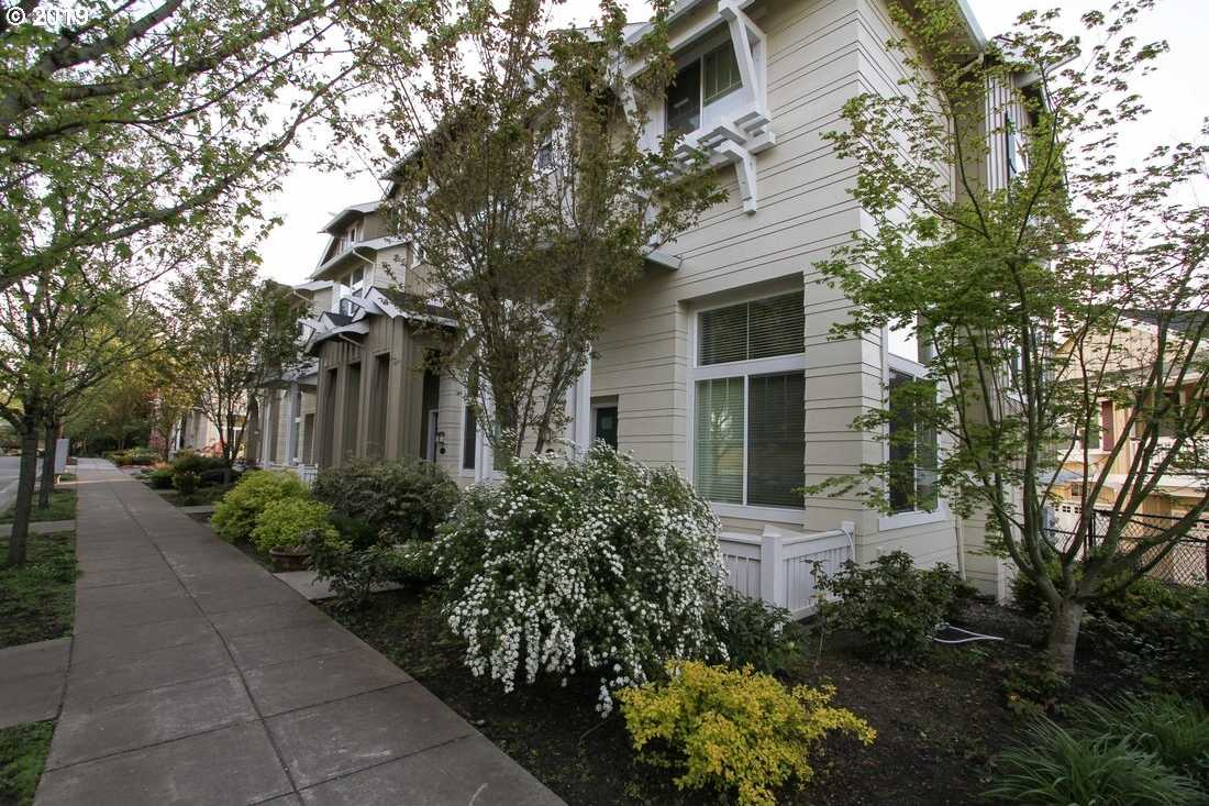 $387,900 - 3Br/4Ba -  for Sale in Multnomah Village, Portland