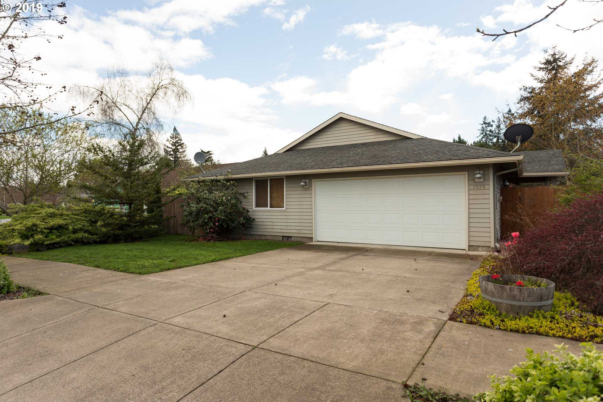 $289,900 - 3Br/2Ba -  for Sale in Mcminnville