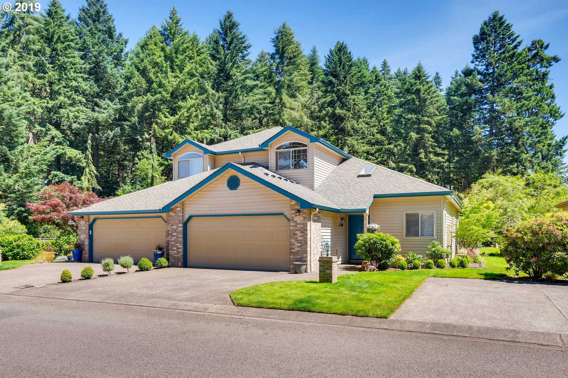 $379,900 - 3Br/3Ba -  for Sale in Manor On The Green, Canby