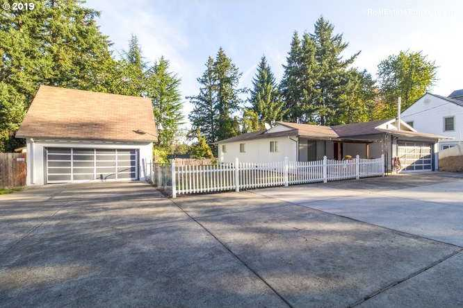 $324,999 - 3Br/2Ba -  for Sale in Bell View, Milwaukie