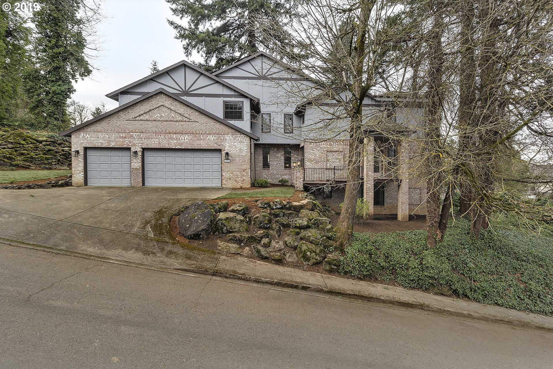 $619,900 - 4Br/4Ba -  for Sale in Milwaukie