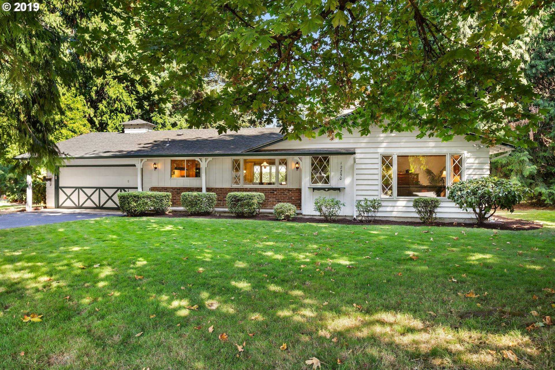 $574,900 - 7Br/4Ba -  for Sale in Milwaukie