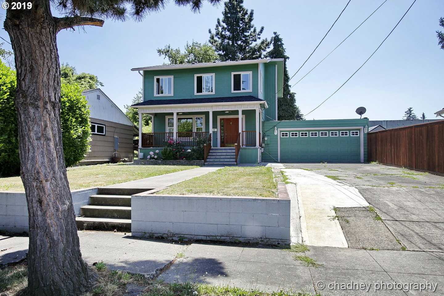 $489,900 - 4Br/3Ba -  for Sale in Portland