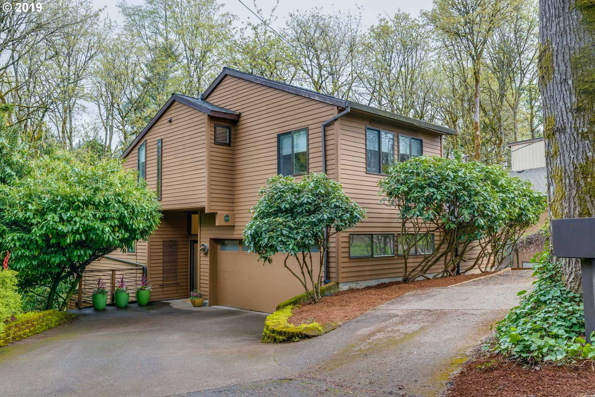 $569,900 - 4Br/3Ba -  for Sale in Hillsdale, Portland