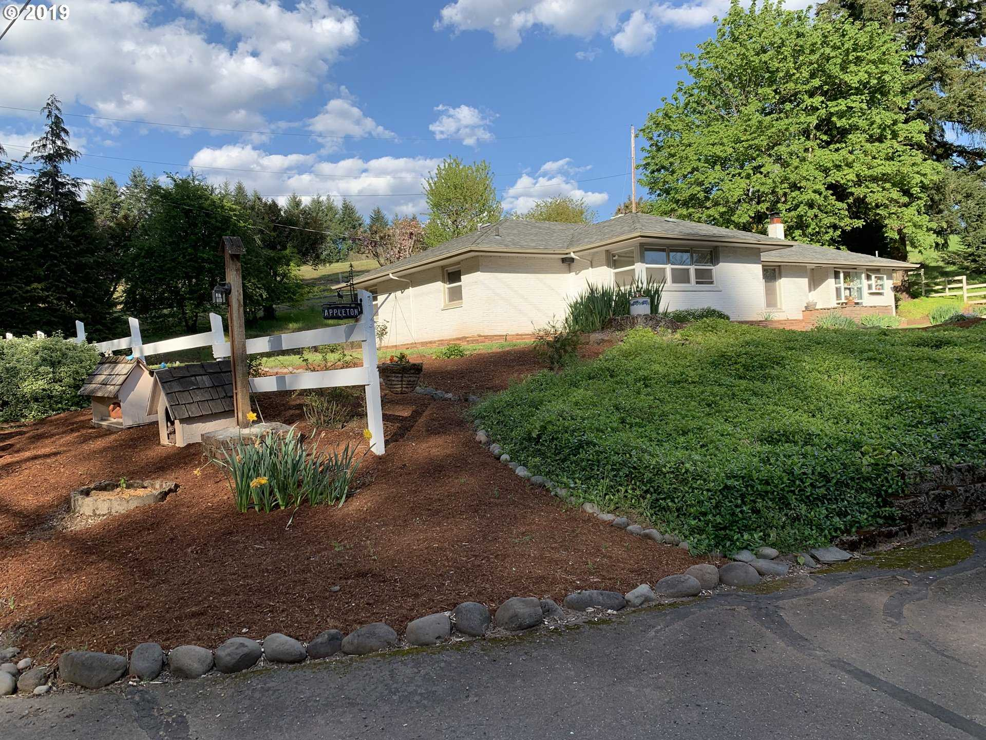 $699,500 - 3Br/2Ba -  for Sale in Petes Mountain, West Linn