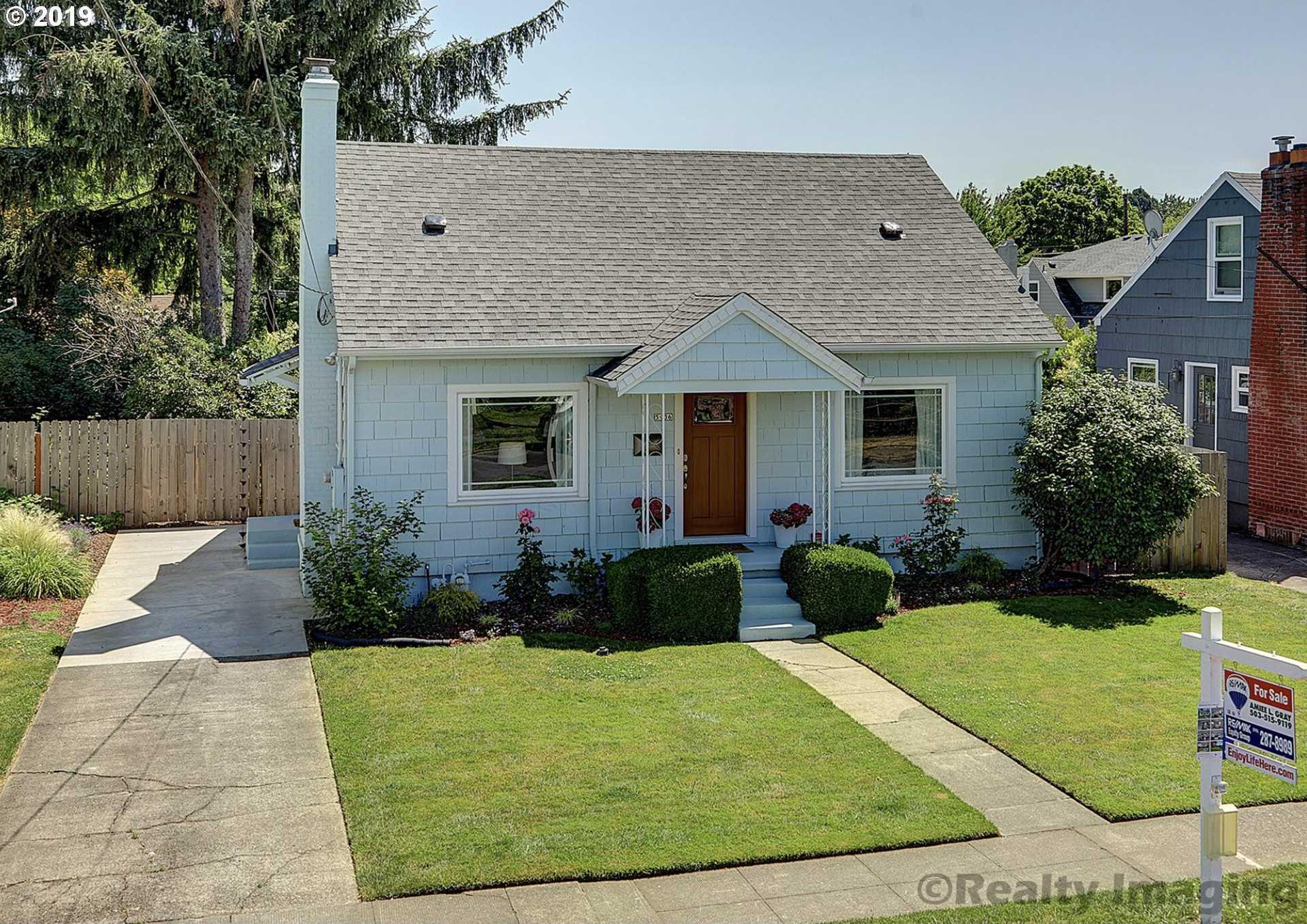 $529,900 - 3Br/1Ba -  for Sale in Westmoreland- Sellwood, Portland