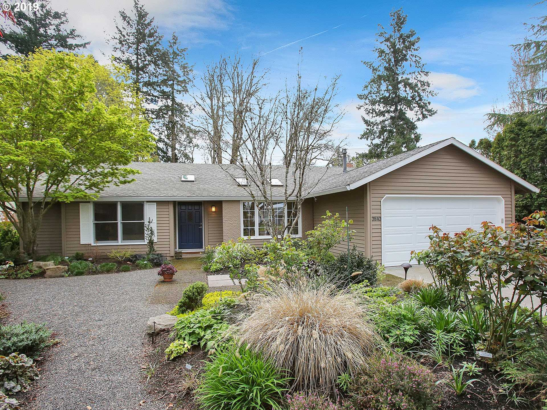 $550,000 - 4Br/2Ba -  for Sale in Bethany/somerset Meadows, Beaverton