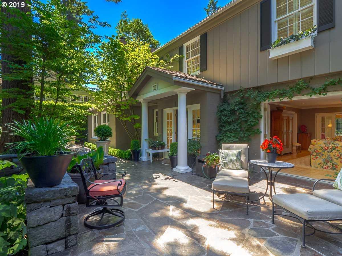 $3,598,000 - 4Br/5Ba -  for Sale in Main Lake, Lake Oswego