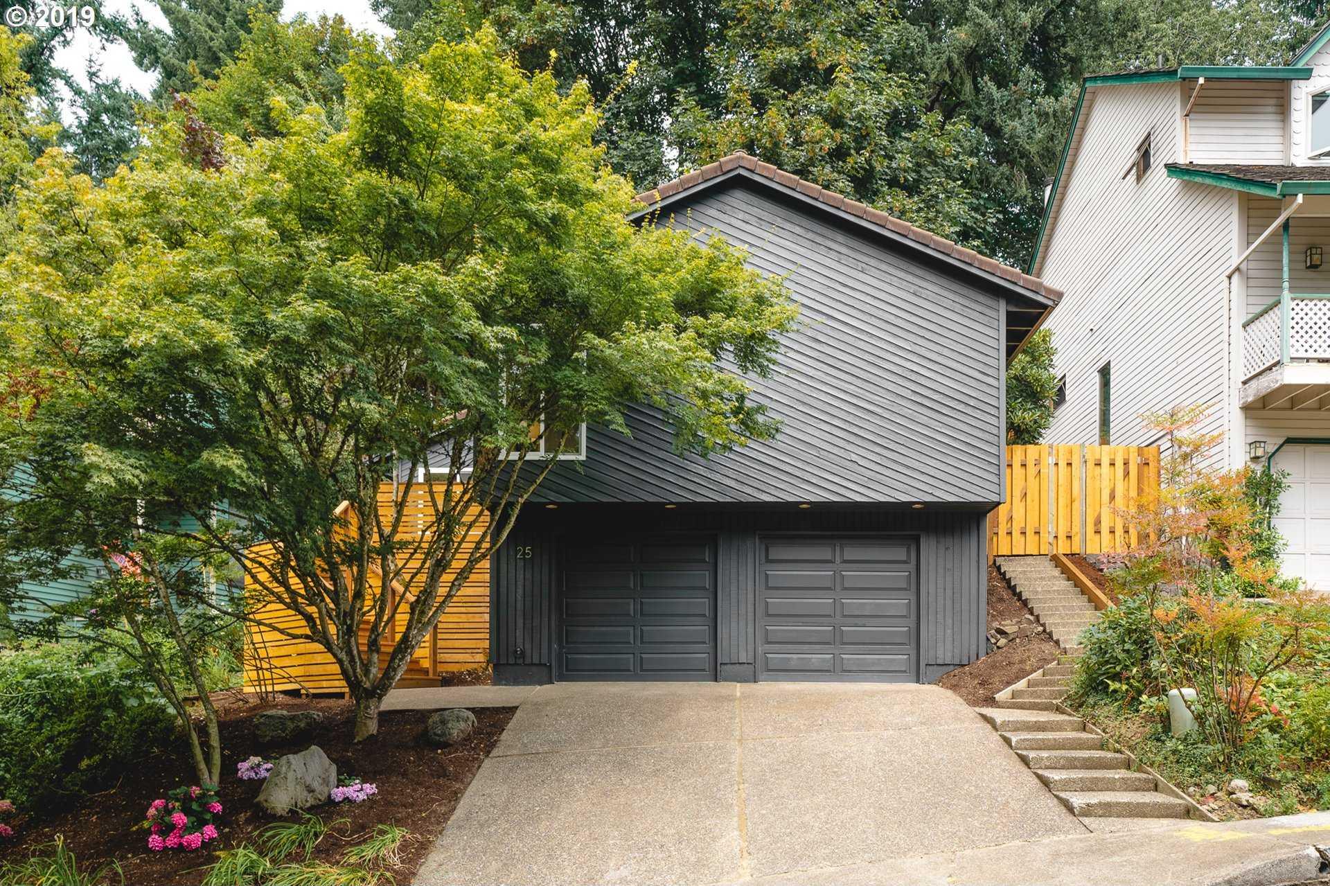 $600,000 - 3Br/2Ba -  for Sale in John's Landing, Portland