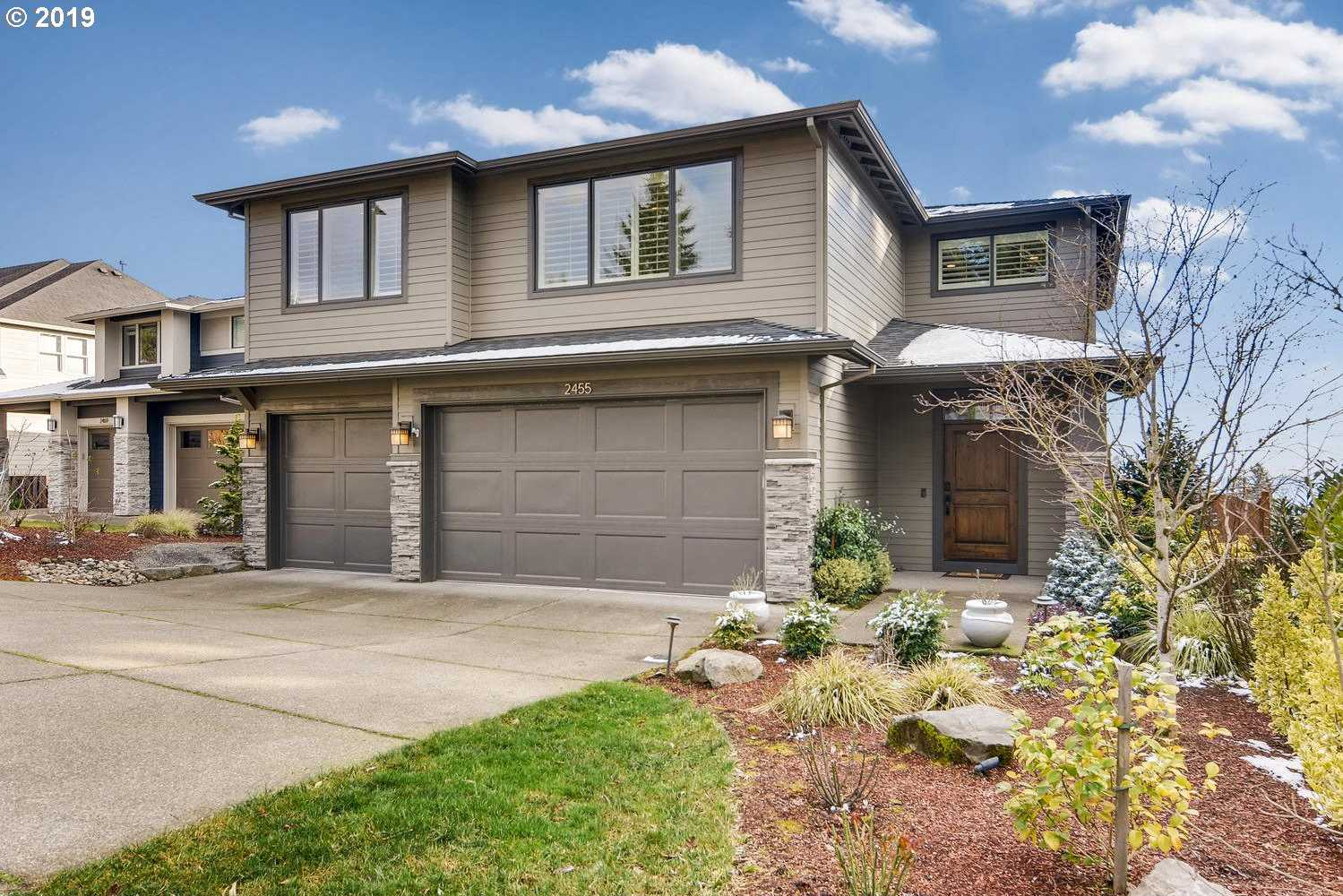 $945,000 - 5Br/4Ba -  for Sale in West Linn