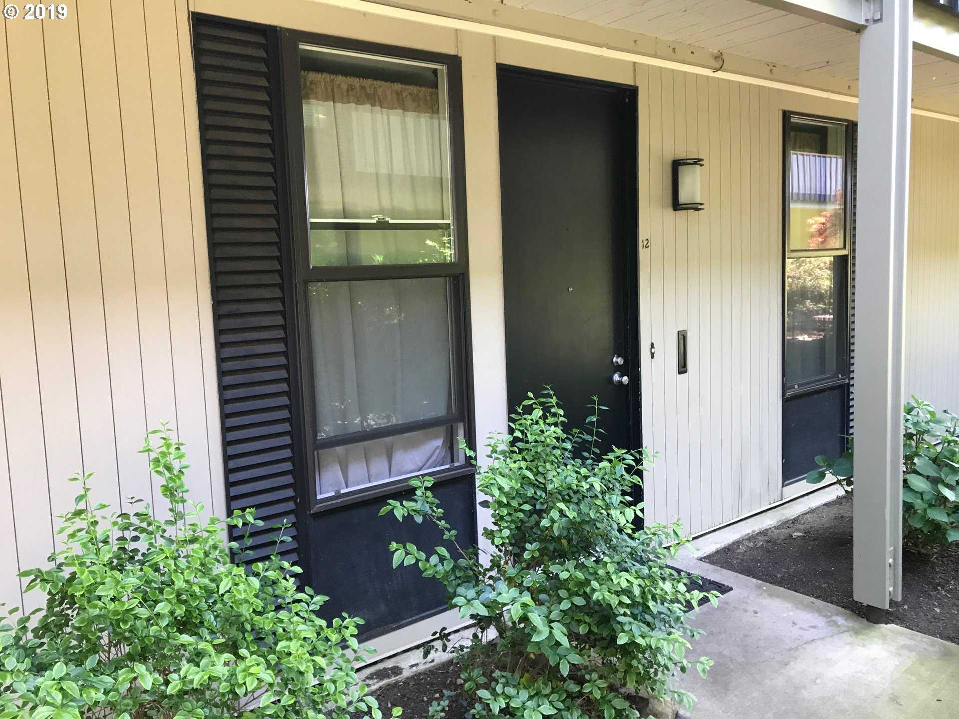 $400,000 - 3Br/2Ba -  for Sale in Villas On Lake Oswego, Lake Oswego