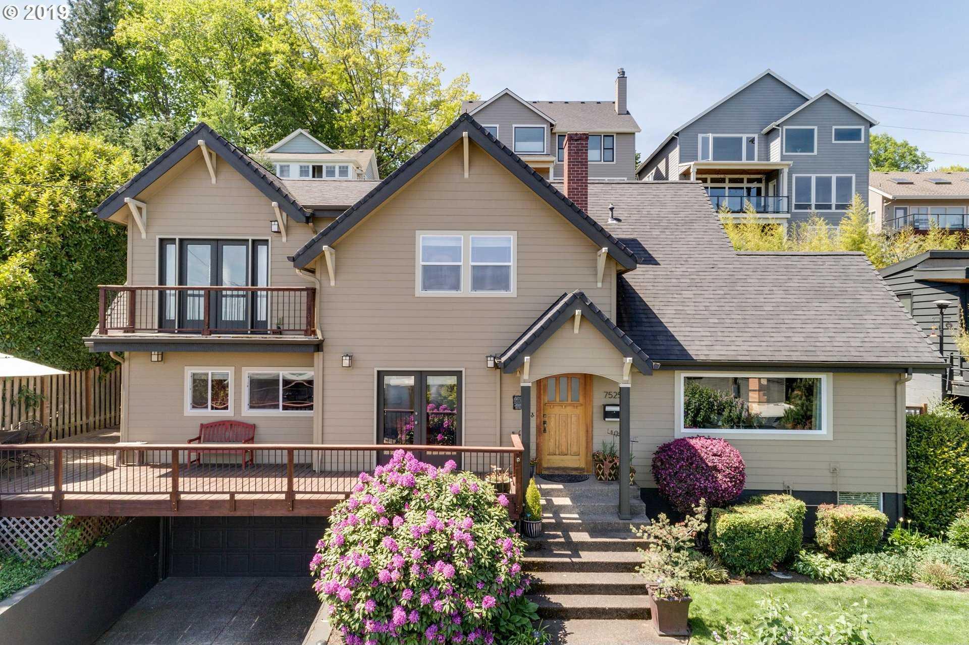 $899,900 - 5Br/4Ba -  for Sale in Fulton Park, Portland