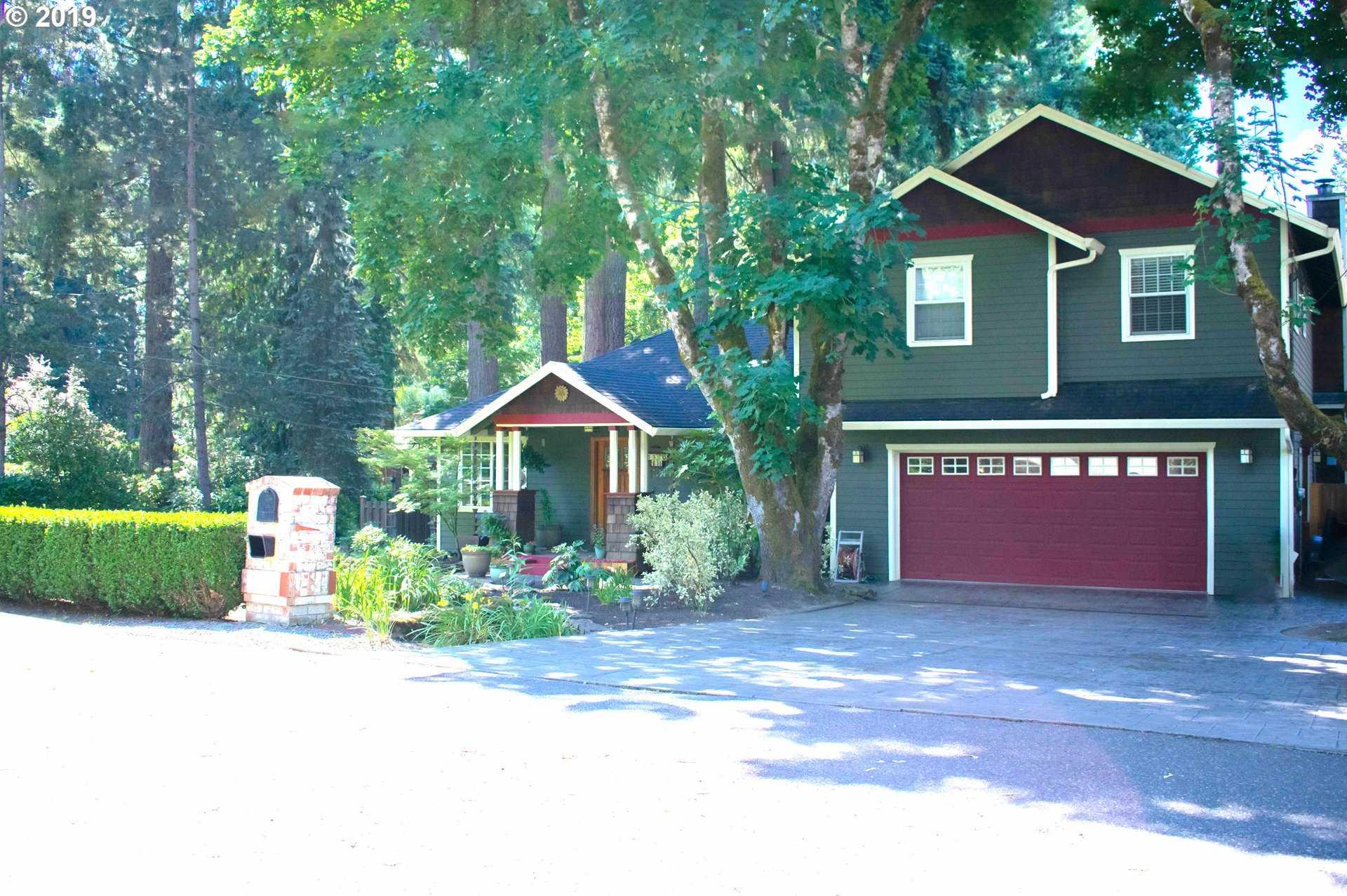 $868,800 - 4Br/3Ba -  for Sale in Lake Oswego
