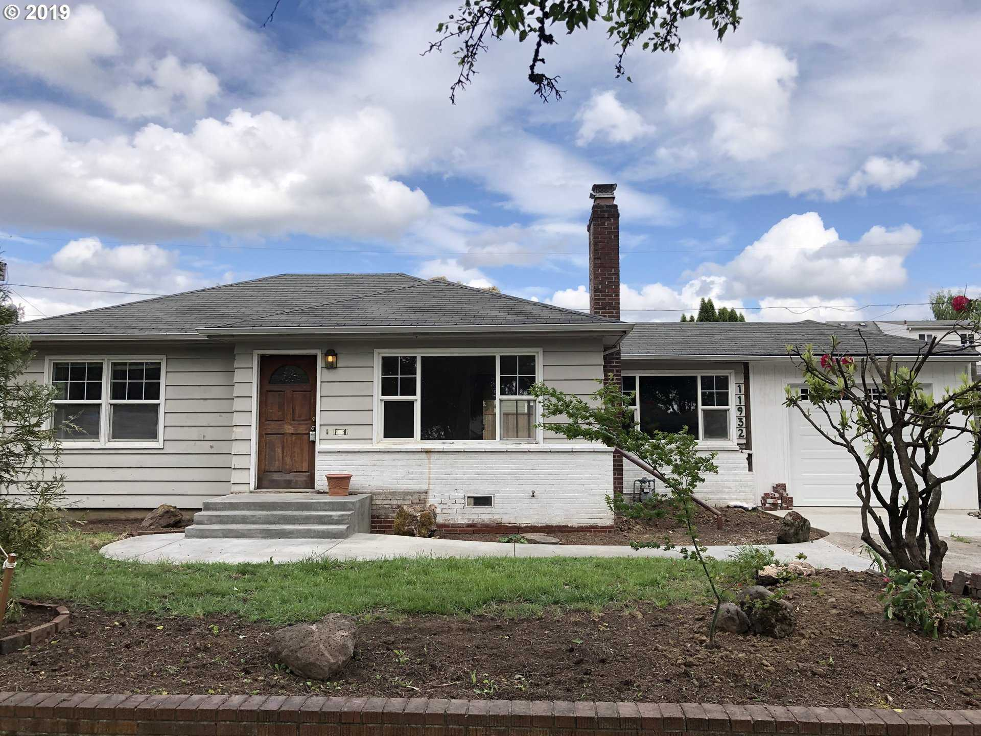 $339,900 - 4Br/2Ba -  for Sale in Milwaukie