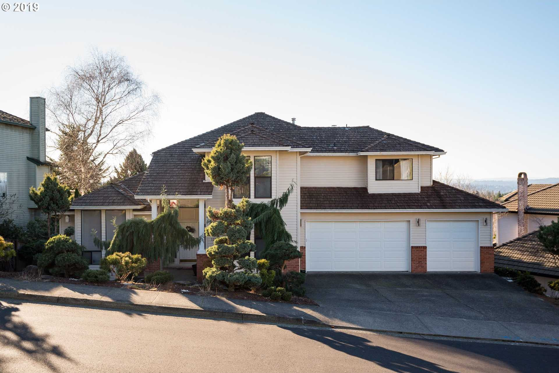 $539,900 - 4Br/3Ba -  for Sale in Happy Valley