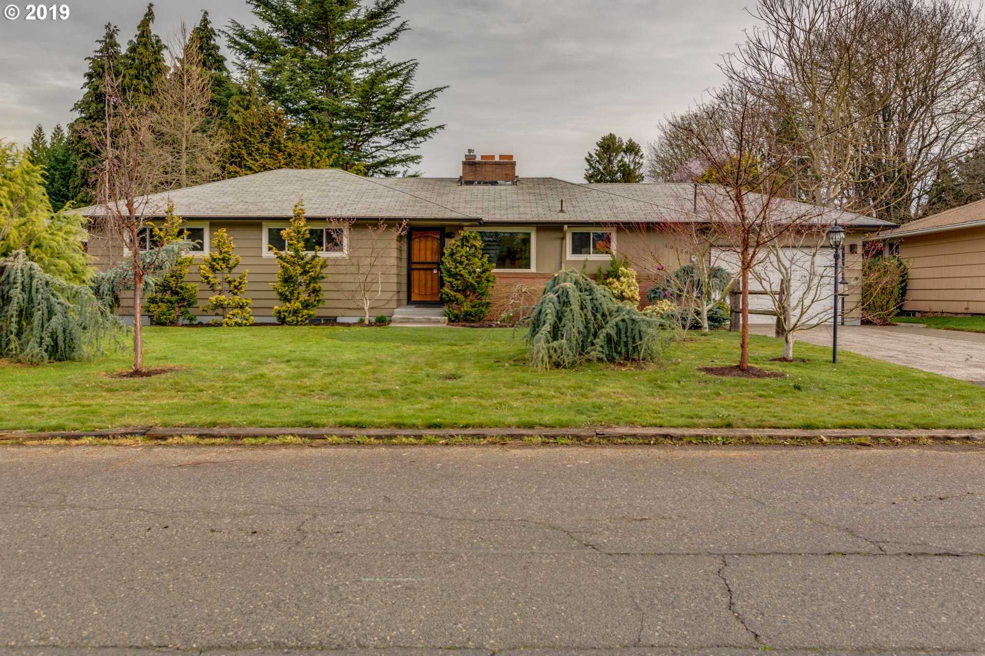 $435,000 - 3Br/2Ba -  for Sale in Parkrose Heights, Portland