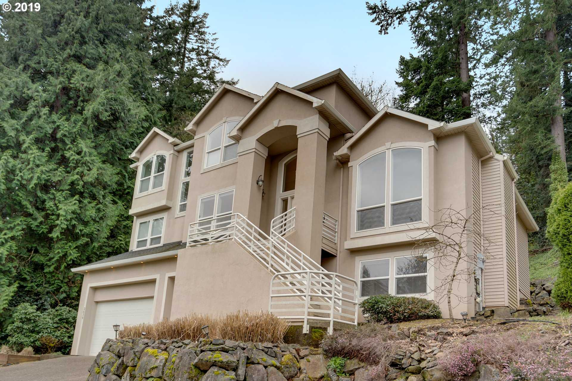 $728,000 - 4Br/4Ba -  for Sale in West Linn