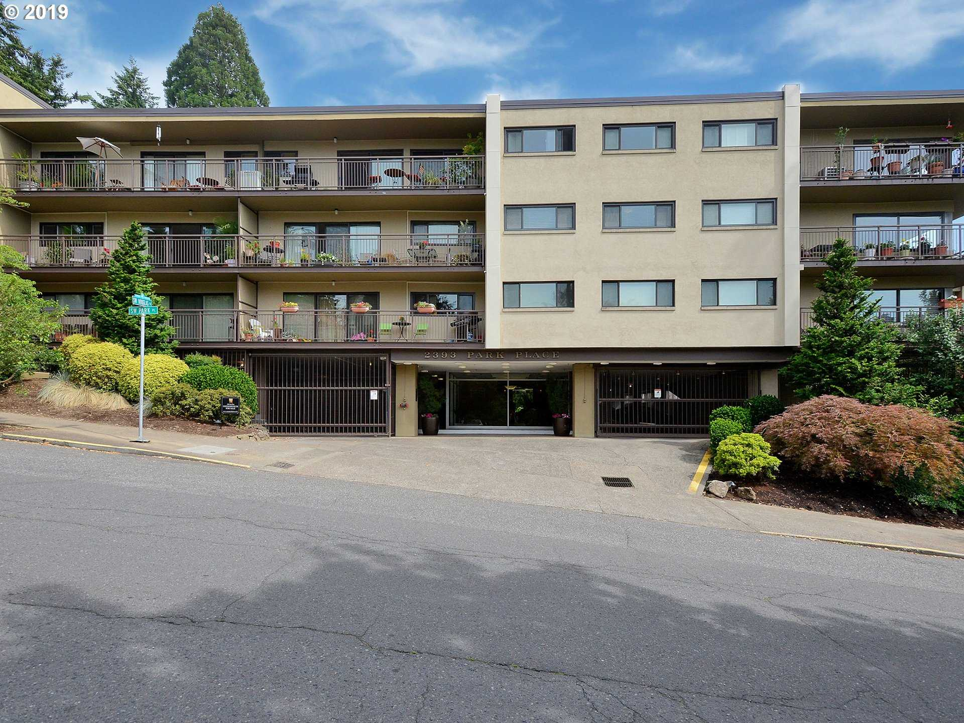 $300,000 - 1Br/1Ba -  for Sale in Goose Hollow, Portland