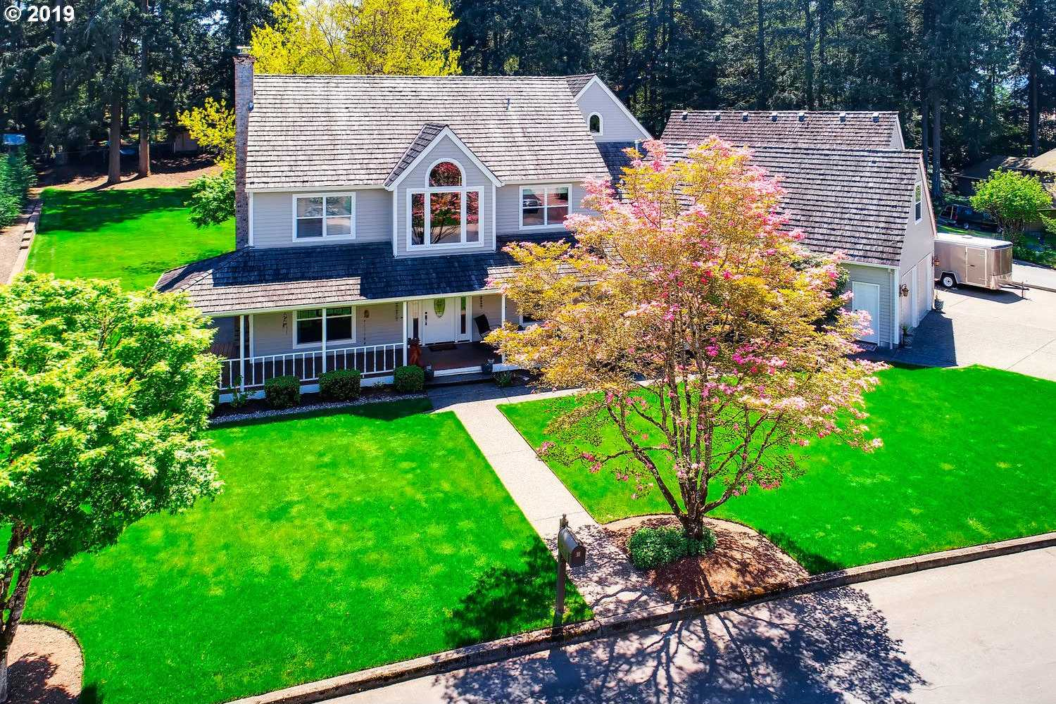 $949,000 - 4Br/4Ba -  for Sale in Bull Mountain, Tigard