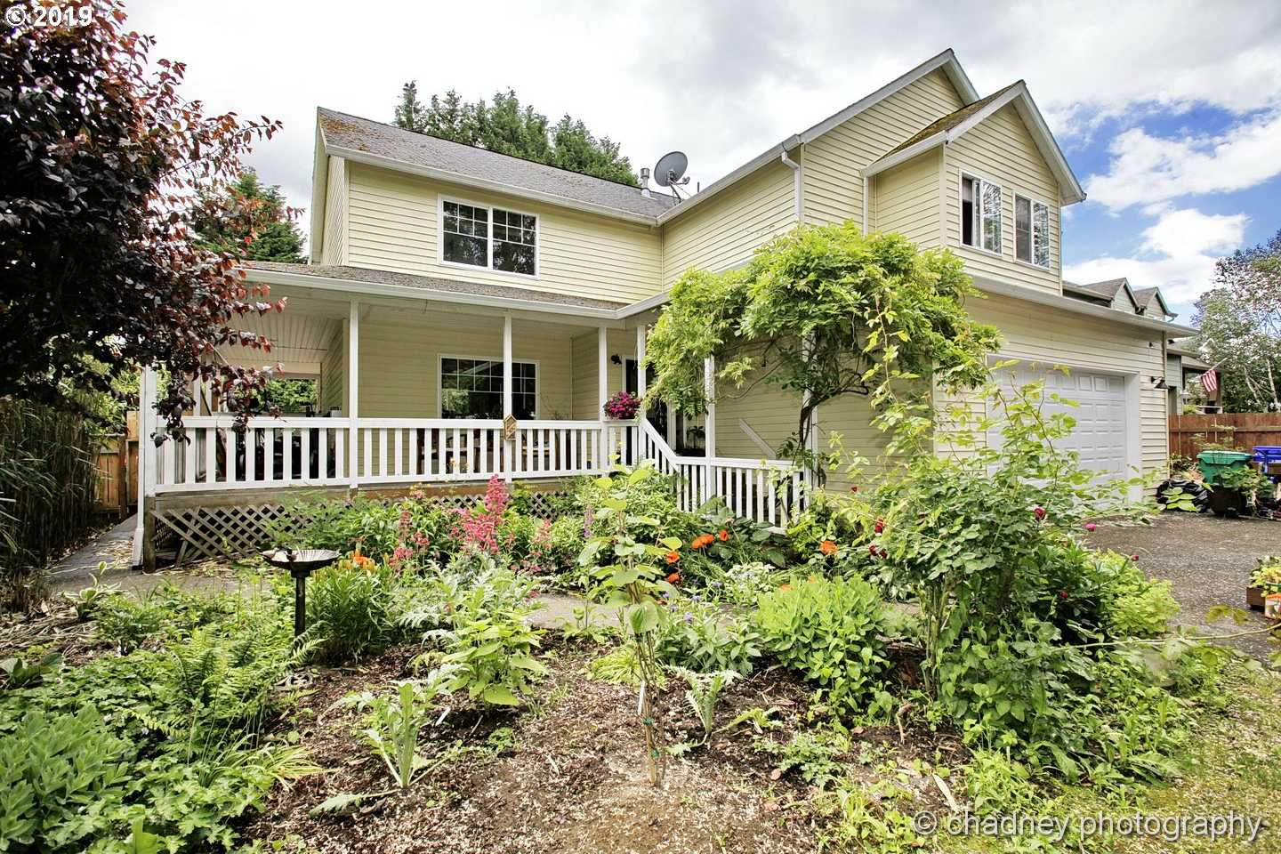 $384,900 - 3Br/3Ba -  for Sale in Powell Valley, Gresham