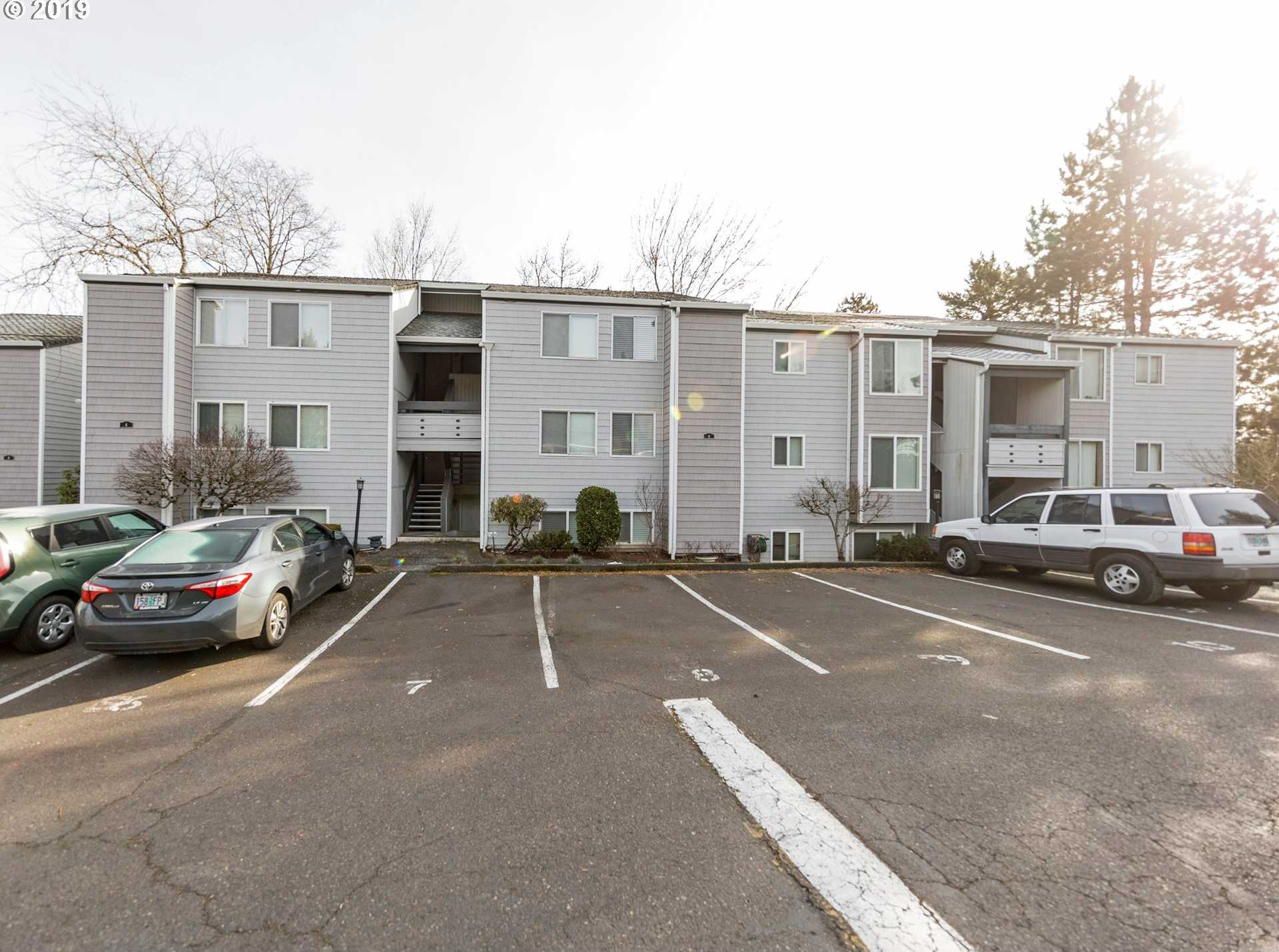 $206,900 - 2Br/1Ba -  for Sale in Ridgeview Condominiums, Lake Oswego
