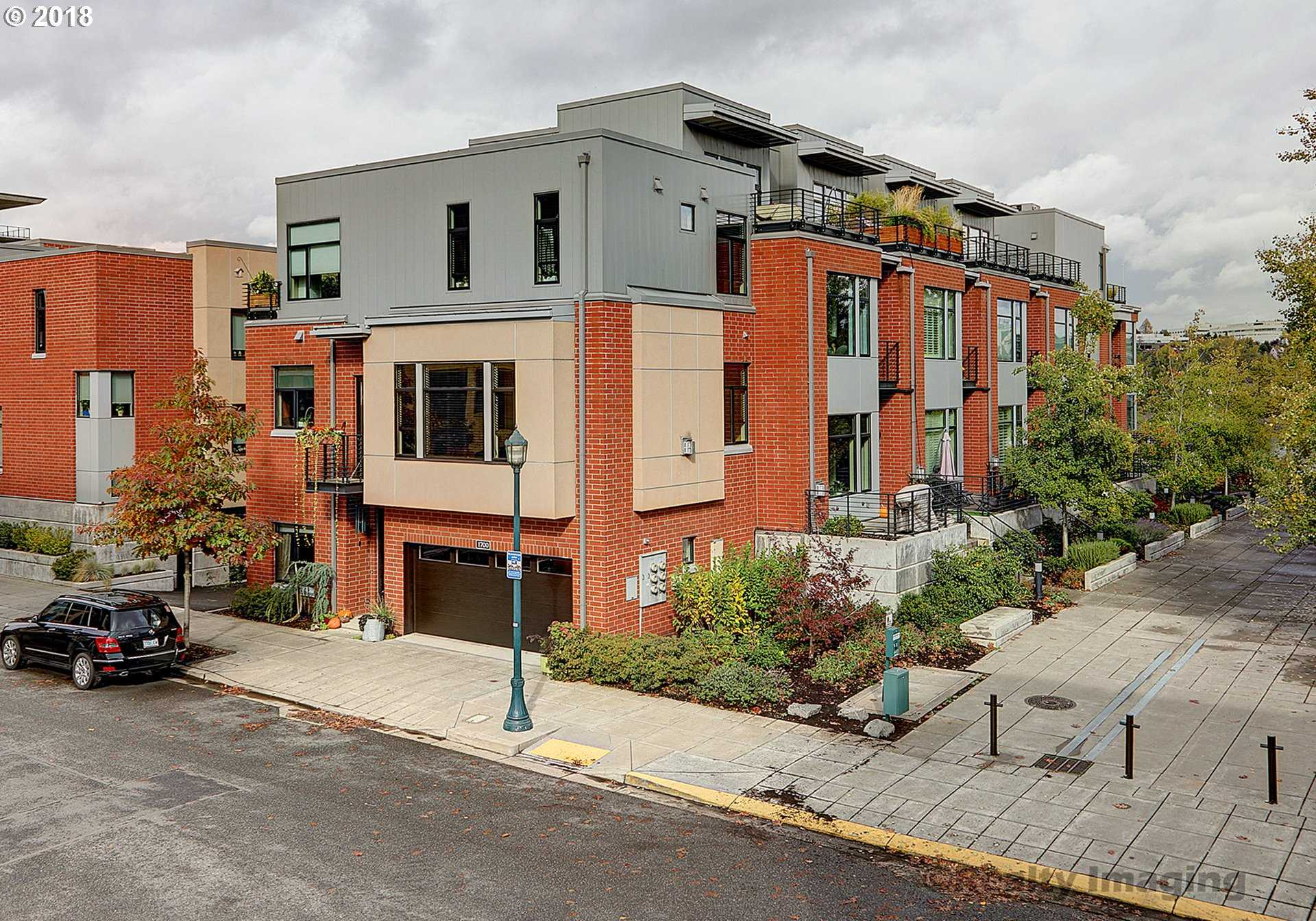 $615,000 - 2Br/3Ba -  for Sale in Riverscape, Portland