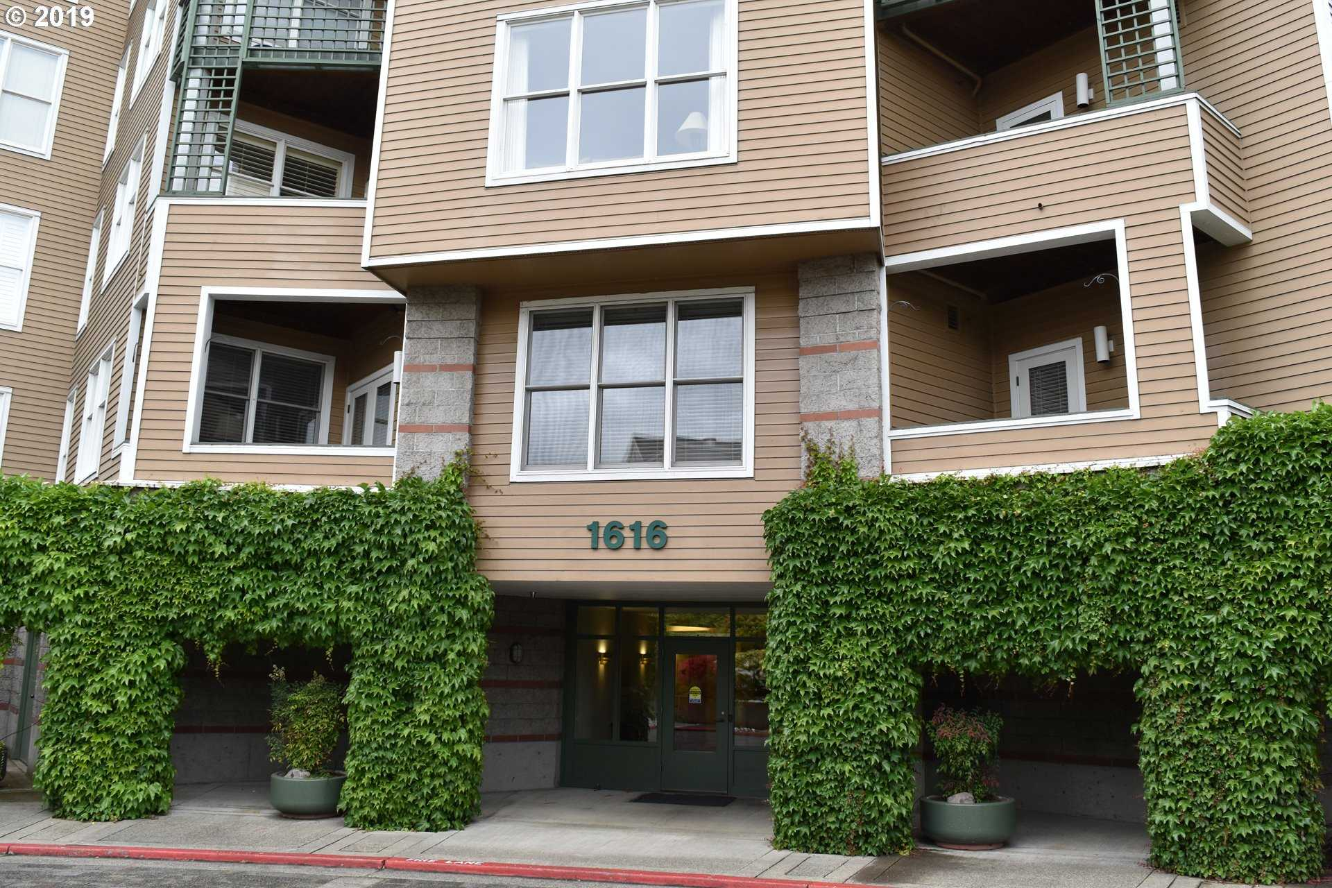 $395,500 - 2Br/2Ba -  for Sale in Riverplace, Portland