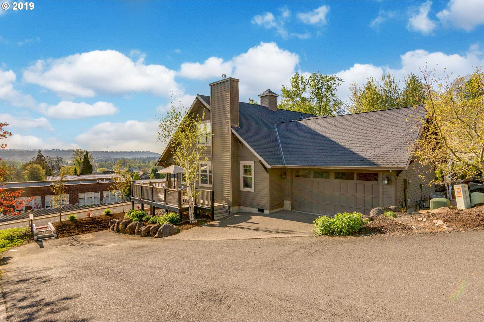 $519,999 - 4Br/3Ba -  for Sale in Oregon City