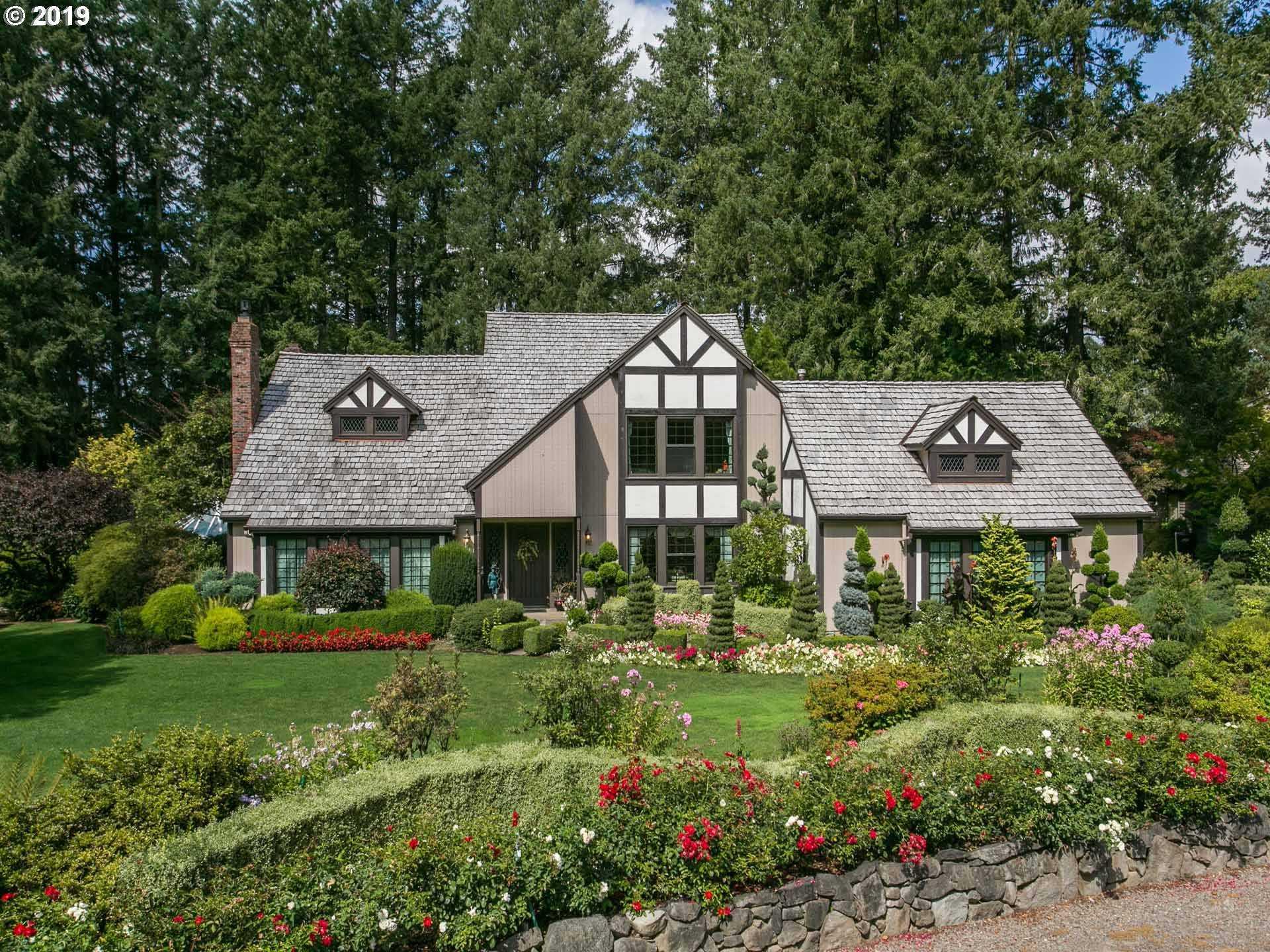 $949,000 - 4Br/3Ba -  for Sale in Hillsboro