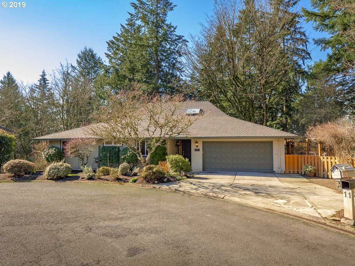 $729,000 - 5Br/3Ba -  for Sale in Mountain Park - Lake Oswego, Lake Oswego